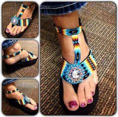 Beaded flip flops - so cute! Beaded Shoes, Beaded Moccasins, Beaded Sandals, Beaded Purses, Native Beadwork, Native American Beadwork, Native American Fashion, Native Fashion, Indian Beadwork