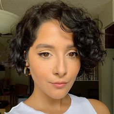 20 Stunning Haircuts for Short Curly Hair to Inspire Your Big Chop Thick Curly Haircuts, Short Curly Cuts, Bob Haircut Curly, Thin Curly Hair, Short Curls, Short Bob Haircuts, Curly Bob Hairstyles, Curly Hair Styles, Wedding Hairstyles
