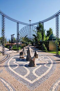 """Entrada do Parque onde se realiza o """"Festival Internacional de Jardins"""" de finais de Maio a 31 de Outubro."""