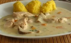 Chicken stew with sour cream and polenta Baby Food Recipes, Chicken Recipes, Cooking Recipes, Healthy Recipes, Romanian Food, Diy Food, I Love Food, Soul Food, Food Inspiration
