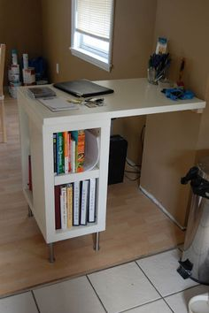 DIY desk. Love the concept! Could the desk be a little wider with a bookshelf for the other leg to seat two people? I need to figure this out...
