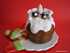 Panettone Decorato: Pinguini e Abete innevato