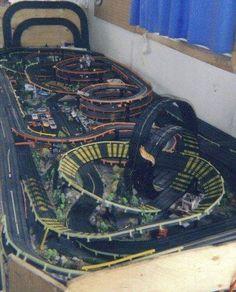 Slot Car Race Track, Slot Car Sets, Ho Slot Cars, Slot Car Racing, Slot Car Tracks, Race Tracks, Hot Wheels, Carrera Slot Cars, Car Places