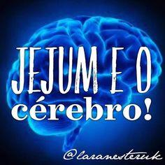 """Jejum É VIDA!#Repost @laranesteruk with @repostapp.  Um dos argumentos usados por profissionais da saúde (que não têm muito apego ao estudo) para dizer que #jejum é """"perigoso"""" ou """"prejudicial"""" é o fato de que em jejum não ingerimos fontes de #glicose (carboidratos) afinal não ingerimos NADA e segundo eles isso pode causar danos permanentes ao cérebro já que este é dependente de glicose!  Bom se isso fosse assim eu meus pacientes todos os praticantes de lowcarb (há muitos e muitos anos) e…"""