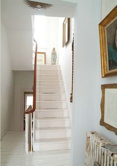 Home design, Stairscase Wall Decoration With Picture Frame: Modern Georgian house design pop art style Combine modern and classic Painted Floorboards, White Floorboards, Painted Stairs, Painted Floors, Victorian Hallway, Victorian Townhouse, Modern Georgian, Georgian Homes, Georgian Interiors