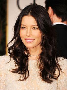 Jessica Biel's tresses have just the right amount of curl for a red-carpet affair. And we love that she chose to pair a messy center part with her black-tie, lace gown