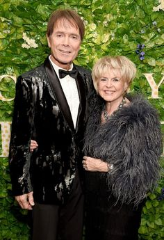Gloria Hunniford: 'Cliff Richard was tortured by false sex claims for three years - but I never doubted him' - Mirror Online