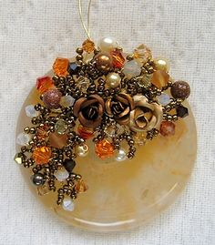 """Le Blog de Joëlleperle - """"twist & pinch"""" wire work. Another way to use beads on wire.  #wire #jewelry #tutorial"""