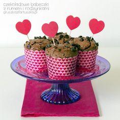Chocolate Rum and Raisins Muffins. Chocolate rum and raisins muffins - perfect Valentine's gift! (in Polish) Raisin Muffins, Baileys, Brunch Recipes, Valentine Gifts, Rum, Cereal, Cookies, Chocolate, Cake