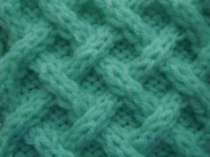#TheIvy free cable knitting pattern - woven diagonals cable stitch