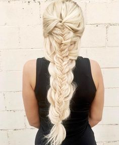 "1,466 Likes, 12 Comments - BRAIDS | UPDOS | INSPIRATION (@beyondtheponytail) on Instagram: ""Stacked Braids ✨ look created by @rachelbriannehair @rachelbriannehair ✨ #beyondtheponytail"""