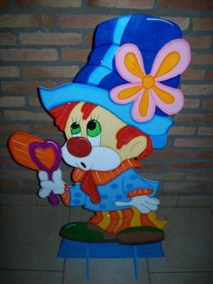 POde ser feito em outros tamanhos. R$ 74,75 Clown Crafts, Send In The Clowns, Clown Faces, Cosplay Diy, Corpus Christi, Red Hats, Paper Piecing, Disney Art, Line Drawing