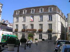 Perigueux. Ayuntamiento.