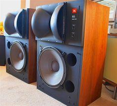 Proud Speakers Bluetooth Life Audiophile Speakers, Hifi Audio, Audio Speakers, Stereo Speakers, Horn Speakers, Monitor Speakers, High End Speakers, High End Audio, Radios