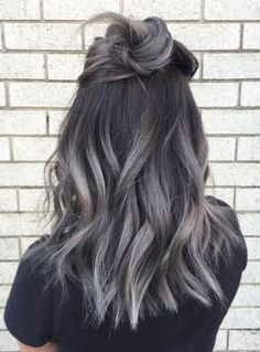 Frisur ideen Luxury best hair color for gray hair # dyeing # gray coloring # hair tint # hairstyles # hair tones Deutsch Jemand, der neu in Ihrem Lebe. Grey Hair Dye, Hair Color For Black Hair, Ombre Hair Color, Hair Color Balayage, Cool Hair Color, Haircolor, Black And Silver Hair, Black Balayage, Black Dark