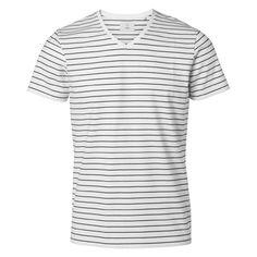 BLÄCK - Core 2-color stripe v-nec #MQ #Mqfashion Color Stripes, Core, Mens Tops, T Shirt, Fashion, Supreme T Shirt, Moda, Tee Shirt, Fashion Styles