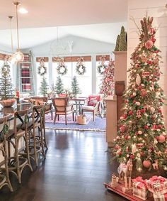 I wanted to share my favorite 65 Modern Farmhouse Christmas Decor today. I love Rustic Christmas Decor all through the year, but it's especially fun to decorate our house in Modern Farmhouse Christmas Decor with pops of plaid, wood &… Continue Reading → Decoration Christmas, Farmhouse Christmas Decor, Primitive Christmas, Country Christmas, Xmas Decorations, Holiday Decorating, Christmas Decor In Kitchen, Kitchen Decor, Kitchen Dining