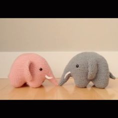 Meet Rosie & Gris the elephants in this stop-motion video!  Thanks for your awesome response so far ❤️. FYI: I found out they're actually a Japanese design (the Spanish artist I previously mentioned had translated this pattern into Spanish). I'm excited to share the English translation with you all ☺️ #elephant #amigurumi #crochet #craft #diy #handmade #instavideo #stopmotion #pink #grey #allaboutami #cute #yarn