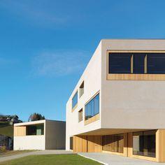 Natural park centre, elementary school, and kindergarten in St. Magdalena, Burger Rudacs Architekten