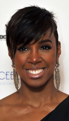 Short Black Hairstyles for Round Faces 2015 with Spiky Pixie Black Women Short Hairstyles, Edgy Short Hair, Popular Short Hairstyles, Pixie Hairstyles, Hairstyles Haircuts, Asymmetrical Hairstyles, Hairstyles Pictures, Hairstyle Short, African Hairstyles