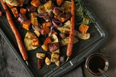 Balsamic Roasted Vegetables Maple Roasted Root Vegetables with a Balsamic Maple Reduction Side Dish Recipes, Vegetable Recipes, Vegetarian Recipes, Healthy Recipes, Roast Vegetable Salad, Roasted Vegetable Medley, Healthy Dinners, Delicious Recipes, Tasty