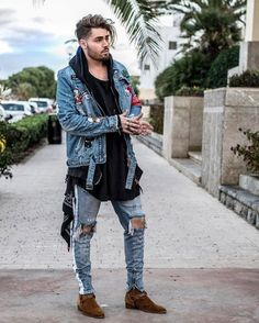 FOR YOUR INSPIRATION follow @savagelook #fashion #style #street #streetwear #ripped #urban #stylish #inspiration #fashionlover #jeans #shirt #sweatshirt #menstyle #men #mensfashion #women #womensfashion #look #outfit #everything #street #tshirt #vest #lovestyle #lovefashion #fashionst #mensjeansstyle