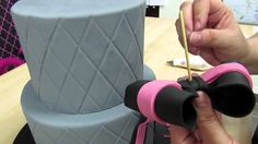 How To Add A Large Bow To A Cake - The Krazy Kool Cakes Way!