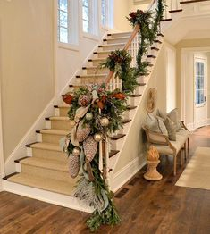Things That Inspire: Holiday entryway decor Christmas Stairs, Christmas Mantels, Christmas Home, Christmas Wreaths, Christmas Crafts, Christmas Staircase Garland, Stairway Garland, Christmas Trends, Snowman Crafts