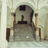Escalera principal en el Patio Barroco del Palacio de la Merced antes de las obras de adaptación a sede de la Diputación en los años 70.
