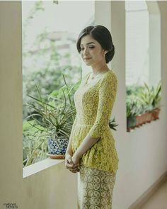 Hairdo by @irlan_ibee Mua by @lawralovefaith Photo by @melanesbintang_photography