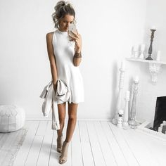 Kirsty Fleming is a young female blogger who makes a lot of brand promotion with great sense of fashion and feminity. Here are 60 of her best pics. En...