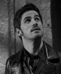 "Killian blinded by the light of the sorcerer's hat in ""Heroes and Villains"""