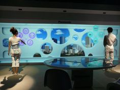 [CEATEC] Displays Triggering Lifestyle Revolution (1) [Video] -- Tech-On!