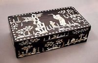 Vintage Chinese mother of pearl lacquered dark hardwood jewellery box/casket