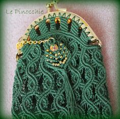 Le Pinocchie Macrame Design, Macrame Bag, Handmade Purses, Diy Projects To Try, Bag Making, Purses And Bags, Knots, Coin Purse, Cross Stitch