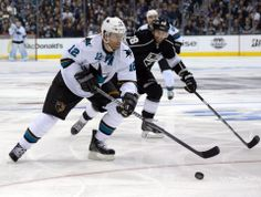 San Jose Sharks forward Patrick Marleau skates with the puck (April 22, 2014).