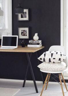 10x zwart en hout in huis