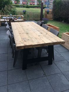 Outdoor Table Settings, Outdoor Dining, Outdoor Decor, Deck Table, Garden Table, Homemade Tables, Wardrobe Design Bedroom, Dinning Room Tables, Concrete Table