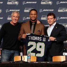 Coach Pete Carroll and GM John Schneider have a plan for the Seahawks that starts with retaining their core players. They have done just that, again, by signing All-Pro free safety Earl Thomas to a contract extension. Seattle Sounders, Seattle Mariners, Seattle Seahawks, Seahawks Football, Football Team, Seattle Mist, Earl Thomas, Nfc West, 12th Man