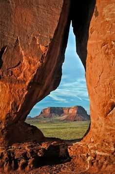 Tear Drop Arch, Monument Valley, Utah / Arizona Border, United States (US), by Len Saltiel