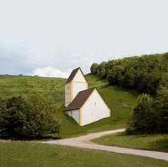 "Timm Ulrichs – ""Versunkenes Dorf"", 2004-06 – Concrete, plaster, paint – 16.7 m x 9 m x 18.4 m"