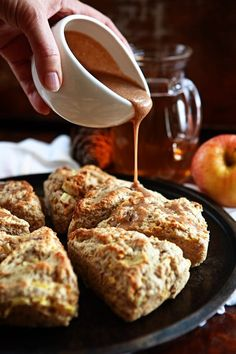 Apple Scones with Apple Cider Cinnamon Glaze thanks for share :) BEST RECIPES . Apple Scones with Apple Cider Cinnamon Glaze Brownie Desserts, Mini Desserts, Apple Desserts, Just Desserts, Dessert Recipes, Scone Recipes, Drink Recipes, Dinner Recipes, Spicy Recipes