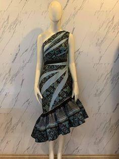 Model Dress Batik, Batik Dress, Traditional Dresses Designs, Traditional Fashion, Dress Pesta, Batik Fashion, Smart Dress, Classy Dress, Simple Dresses