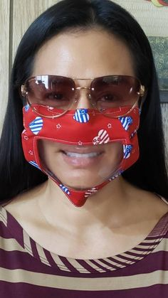 This Mask Has a Clear Panel For Speech Pathologists and Hard-of-Hearing Patients Clear Face Mask, Incredible Gifts, Work Wardrobe, Survival Gear, Go Shopping, Household Items, How To Make, How To Wear, Window
