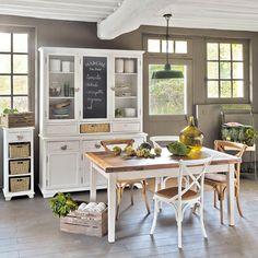 2 caisses en bois 25 x 40 cm et 32 x 48 cm CHÂTEAUBRIANT | Maisons du Monde  http://www.homelisty.com/ou-trouver-caisses-en-bois-cagettes/
