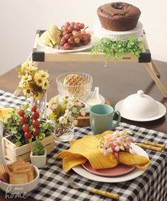 Uma mesa de #picnic foi a sugestão pro lanche da tarde. Com clima divertido e descontraído é uma boa opção pra agradar (principalmente os baixinhos) e sair do tradicional. Nós amamos! ☕️ #sejaPlural #mesaposta #meseirasassumidas #meseirasmineiras_picnic #ootd #meseirasdobrasil_rosas