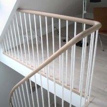 Billedresultat for hvid trappe med sort gelænder