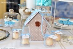Cute birdcadge for this bird themed baptism party