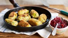Glamorgan sausages with red onion and chilli relish . vegetarian leek and cheese sausages, comfort food. Aidells Sausage Recipe, Andoille Sausage Recipes, Red Onion Recipes, Veggie Sausage, Veggie Recipes, Vegetarian Recipes, Cooking Recipes, Bbc Recipes, Xmas Recipes