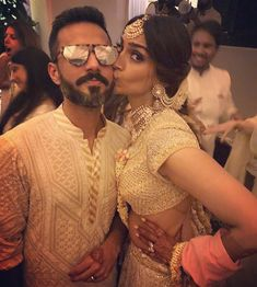 Sonam Kapoor Wedding Pictures - The moment everybody was waiting for is finally here! Sonam Kapoor is wedding her long time beau Anand Ahuja after keeping her relationship with him quite private for a long time. Indian Hairstyles, Wedding Hairstyles, Wedding Trends, Wedding Pictures, Sonam Kapoor Wedding, Big Fat Indian Wedding, Outfit Trends, Bollywood Stars, Celebs